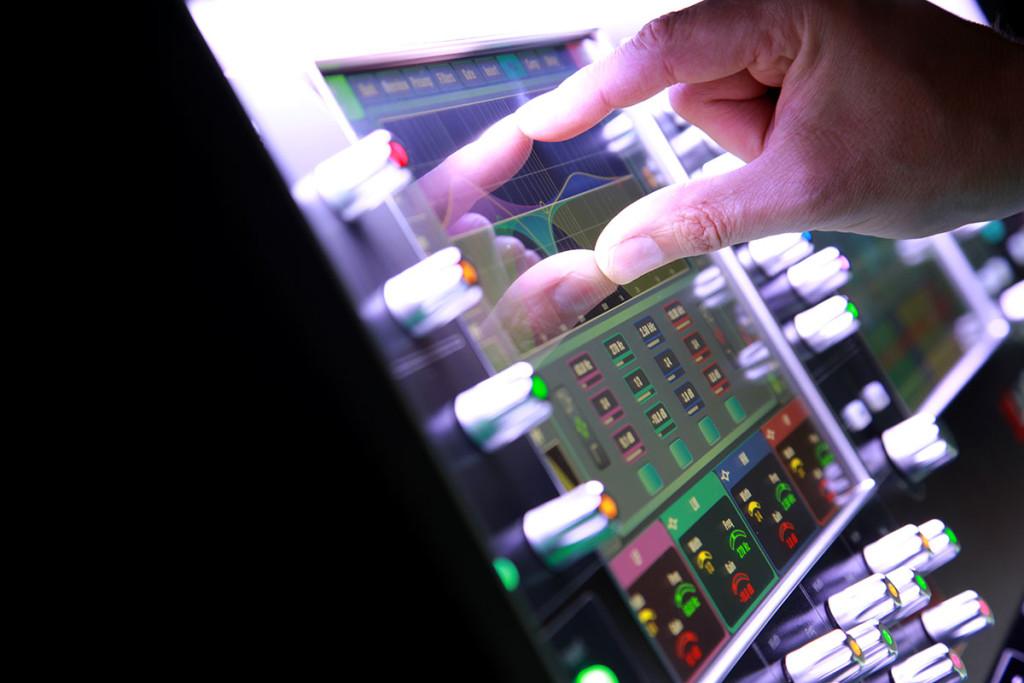 Touchscreen-fingers-1024x683.jpg